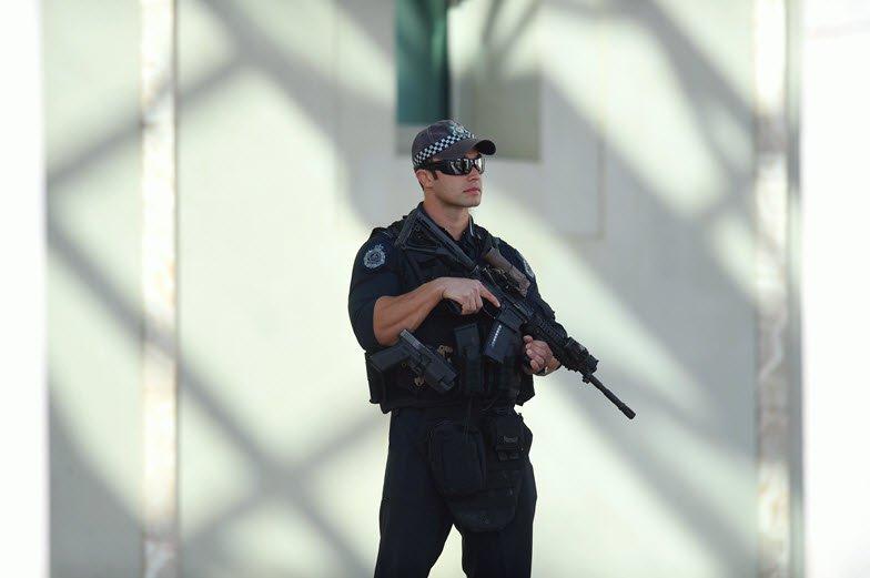 heavily-armed-policeman
