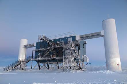 icecube_detector