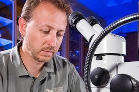 Dr Jonathan Lundgren